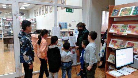 11 сентября Нахабинская городская библиотека приняла участие в культурно-просветительской акции «Приходите в гости к книжке, все девчонки и мальчишки!»